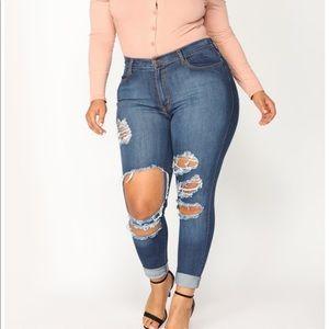 FashionNova 1X Distressed Skinny Jeans